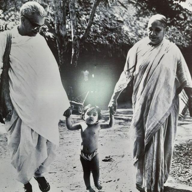 गांधी, गोरा