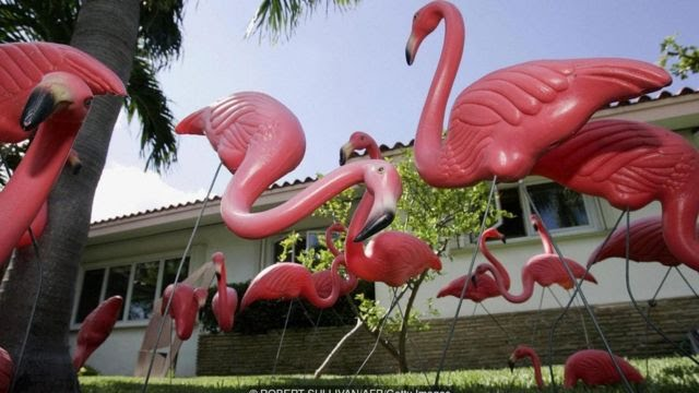 Flamingo rosa de plástico