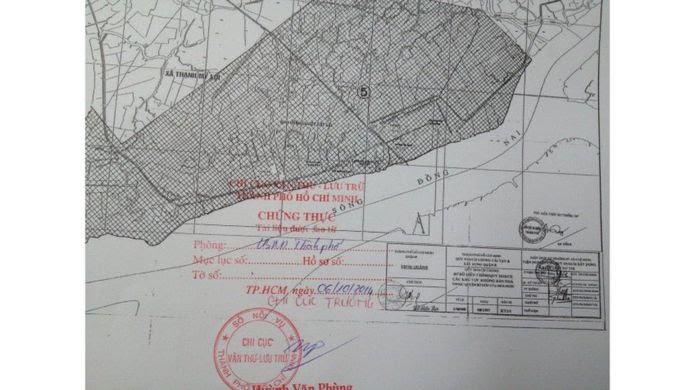Ông Lê Văn Lung nói ông thu thập nhiều bản đồ từ khi khiếu kiện