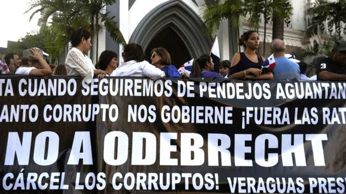 Demonstrators in Panama protest against corruption in connection with the scandal involving Brazilian construction giant Odebrecht, in front of Panama's Congress in Panama City