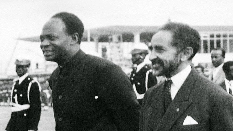 """The Ethiopian Emperor Haile Selassie (C) and Ghana""""s founder and first President Kwame Nkrumah (L) during the formation of the Organization of African Unity in Addis Ababa. Ghana"""