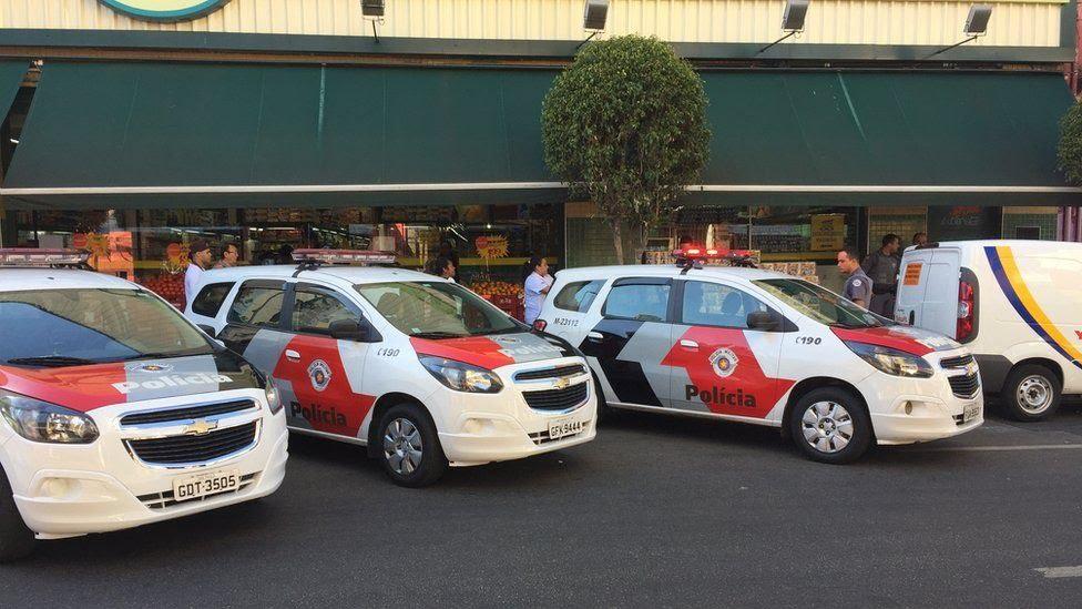 Carros policiais
