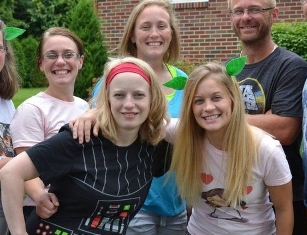 Da esquerda para a direita: Allison King, Abby Jackson, Mary Dyson e Amy Steenburg