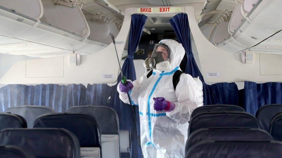 Літаки дезінфікуватимуть після кожного рейсу