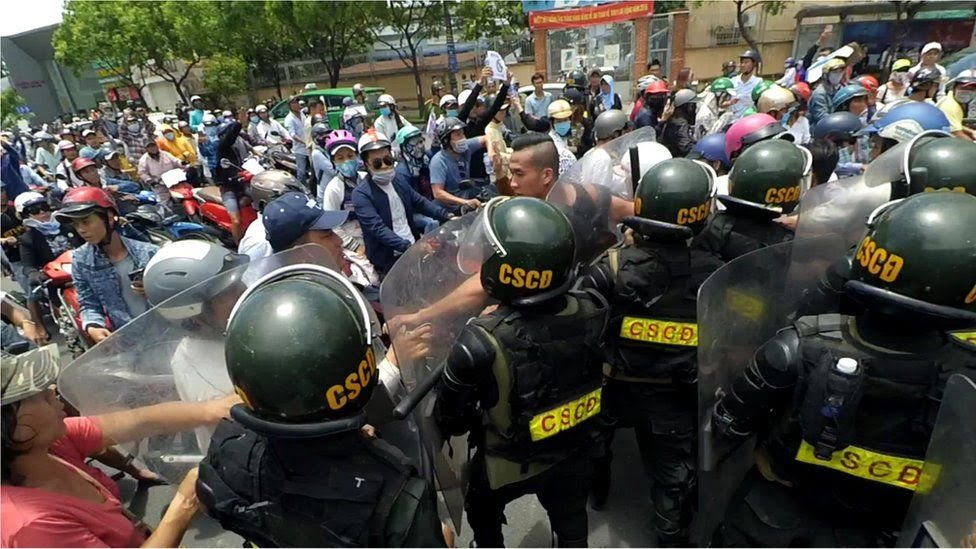 Hình ảnh Will Nguyễn tại buổi biểu tình hôm 10/6