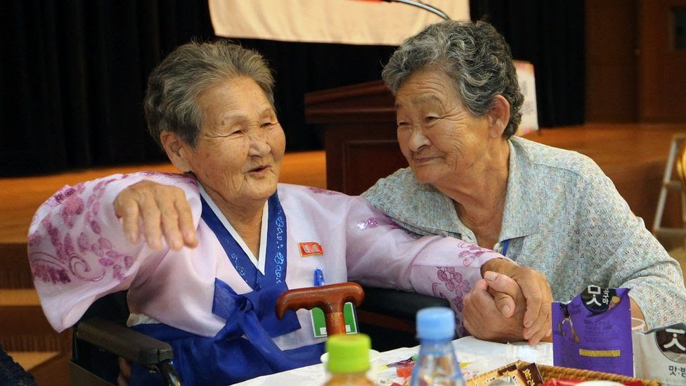 North Korean Kang Ho-rye (L), 89, was reunited with her South Korean younger sister Kang Du-ri, 87, at the second family reunion event.
